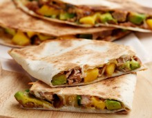 Crispy Tuna And Mango Tortillas