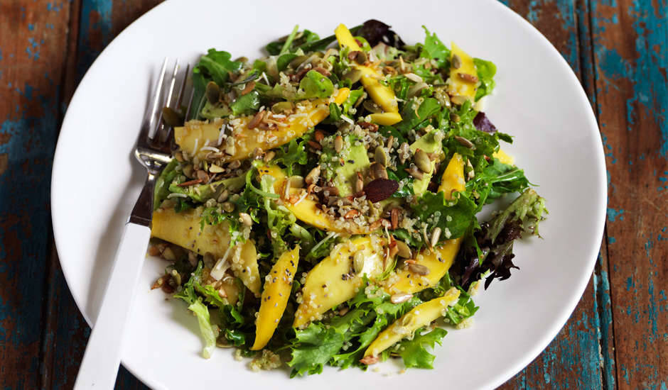 Mango-Salad-with-seeds-and-quinoa