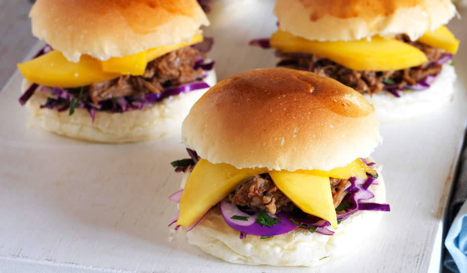 Pulled-Pork-Sliders-with-Mango
